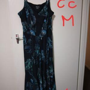 BNWOT City Chic Blue Floral Maxi Dress - Size: M